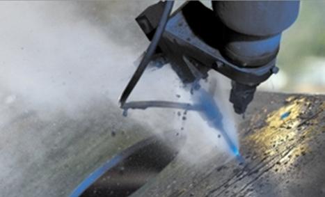 Waterjet  investiert in die Forschung an Wasserstrahlschneiden